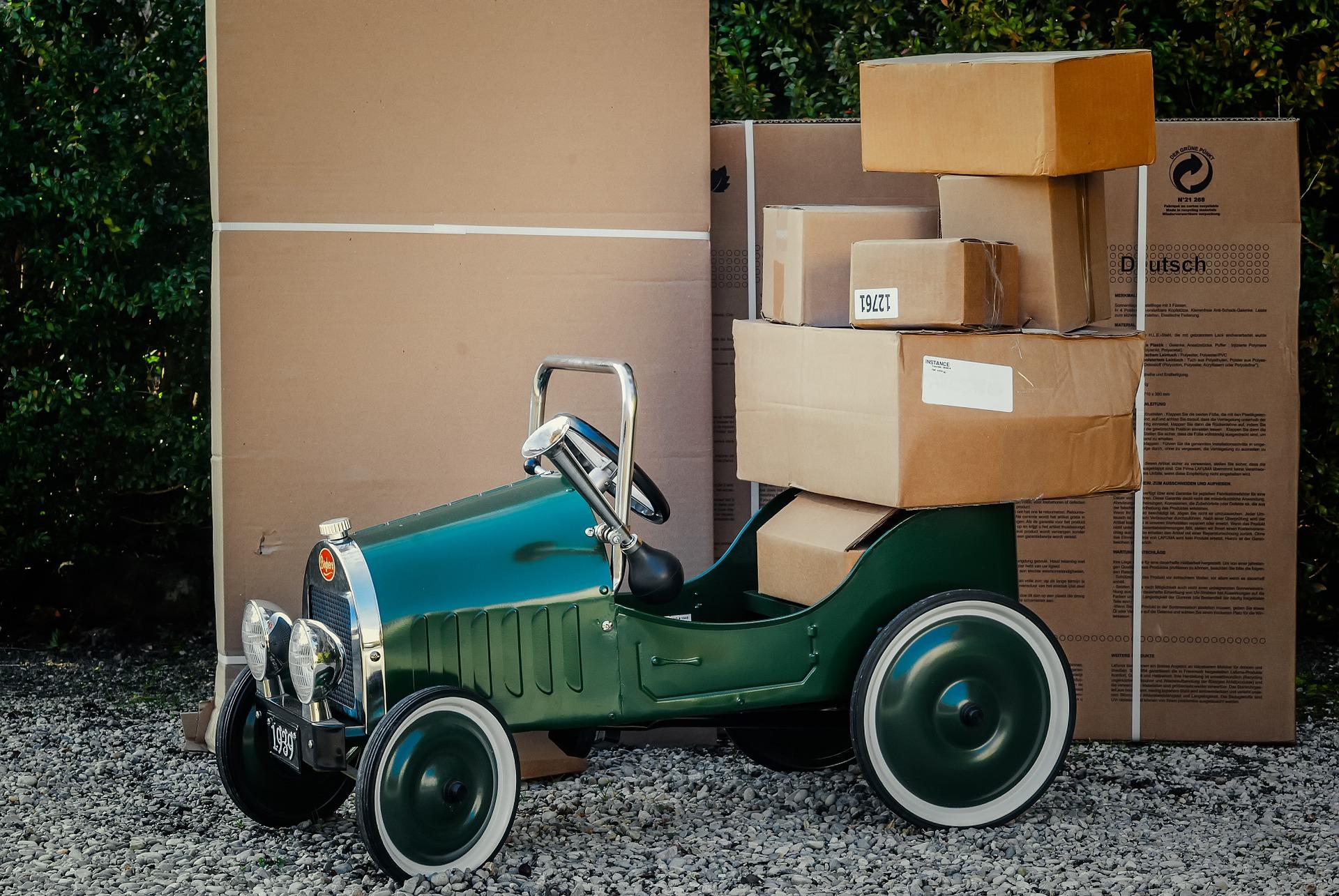 Pakowanie przesyłki dla kuriera