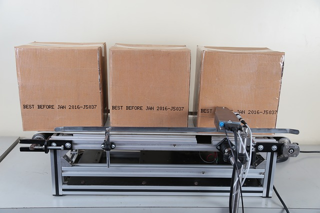 Pakowanie przesyłki – jak się do tego zabrać?